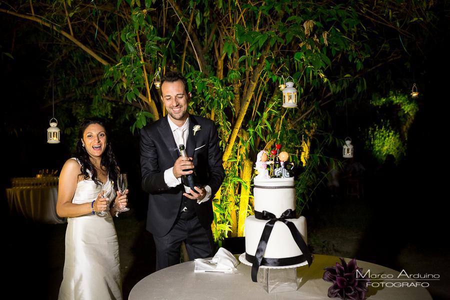 wedding cake cutting in piedmont Castle Torino