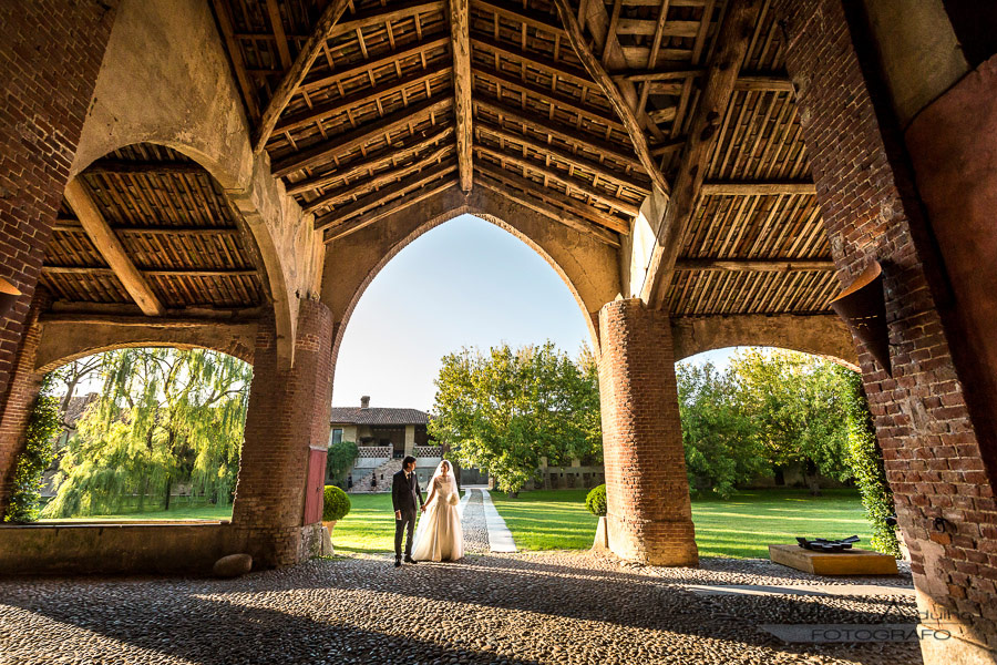 italian wedding photographer in countryside lombardy