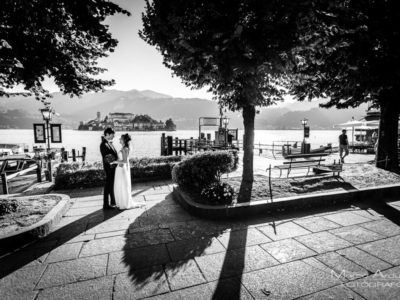 intimate wedding on lake orta